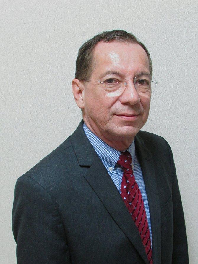 José Luis B Garza